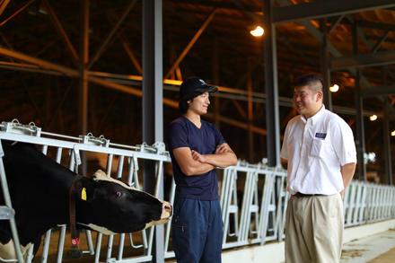酪農家との絆を育む、株式会社コーンズ・エージー