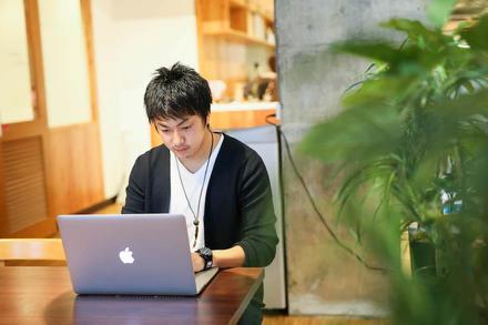 Uターンで起業、富良野でフリーペーパーを作るデザイナー