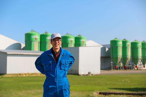 温かな場所で生み出される鶏卵農場。北海スターチック株式会社