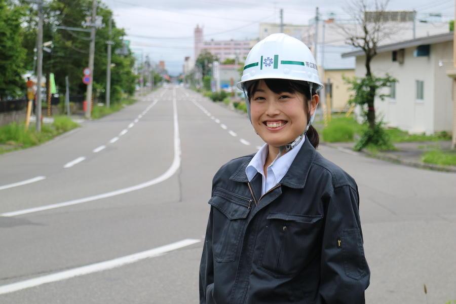 北海道を駆け巡る。道路に惹かれたドボジョ!