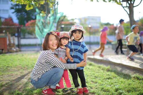 保育士の輝く瞳と子どもの煌めく笑顔のために。あいおい子ども園