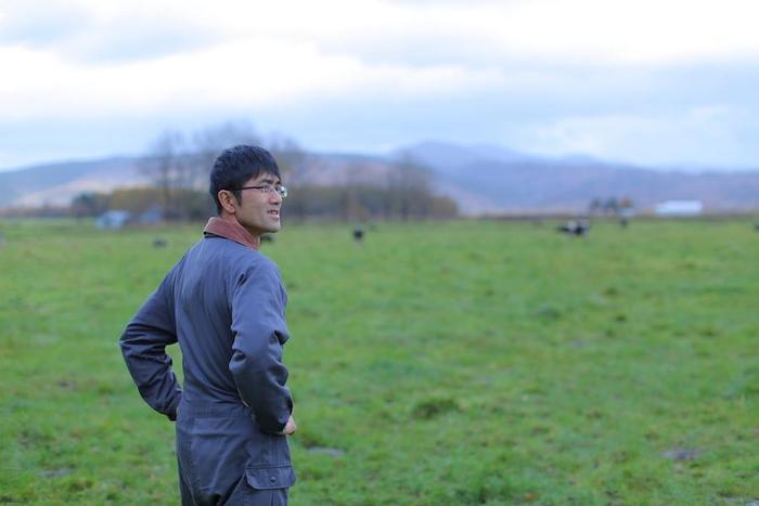 放牧酪農の先にあるのは「家族との幸せな暮らし」。丸藤牧場