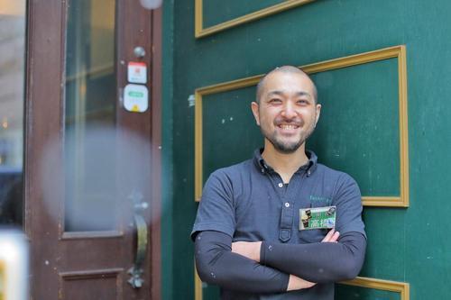 元ラガーマン店長が守る、大きなまちの小さな社交場。