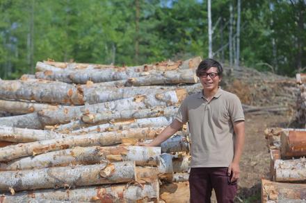 山主と林業を繋ぐ道先案内人。森林資源の活用へ、価値を伝え歩く